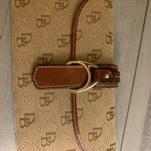 Dooney&Bourke Signature Logo Canvas Wallet- Brown